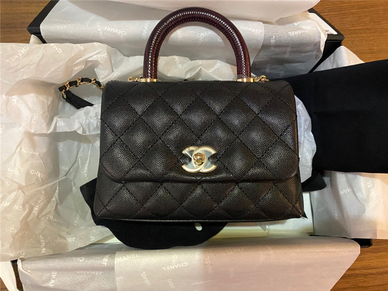 新年背新包 Chanel Coco handle mini红柄